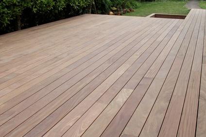 ralisation d'une terrasse en bois exotique